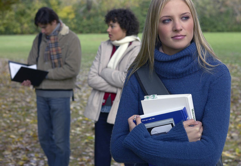 Studenti in un campus
