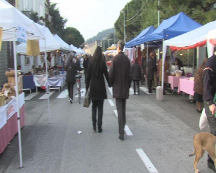 domenica in piazza mercatale il mercato della toscana tv