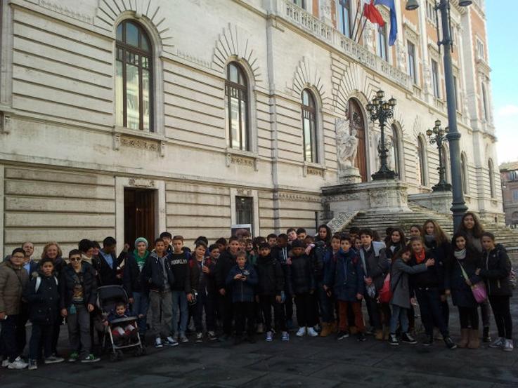 I ragazzi dell oratorio di sant anna in visita alla camera for Camera dei deputati tv