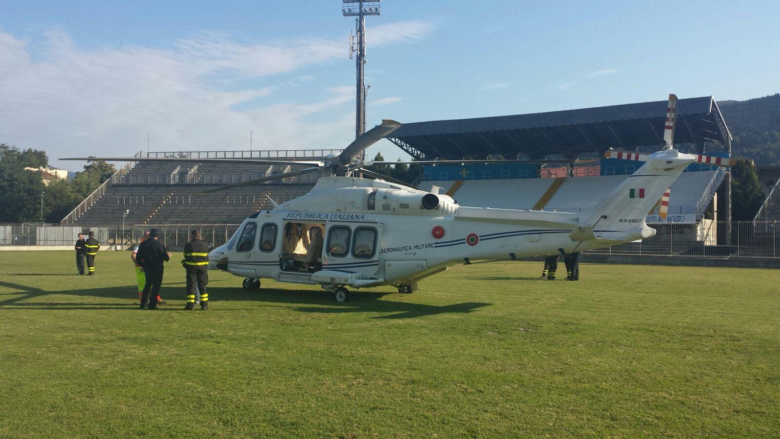 L Elicottero Del Papa : Atterrato al lungobisenzio l elicottero del papa questa