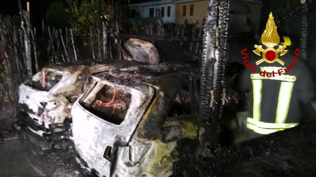auto incendiate poggio a caiano 2
