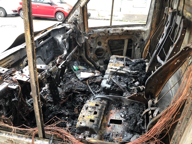 incendio via arezzo auto (2)