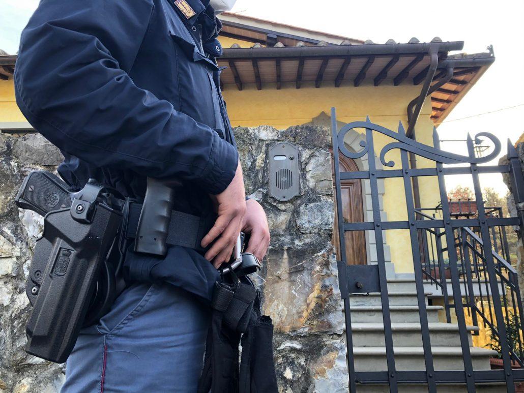 furto con sparatoria villetta vainella via degli olivi sopralluogo polizia (2)