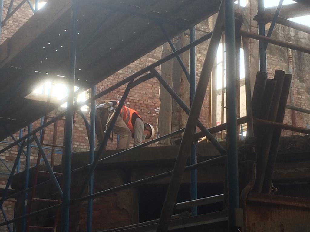 foto cisterna e interni fabbrica ex lucchesi (10)